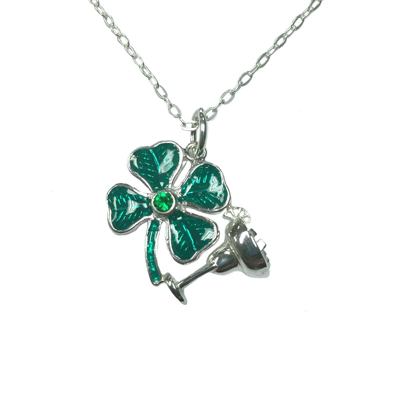 SILVER CLOVER NECKLACE